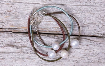 LESL Ware - Single Pearl Bracelet - Group