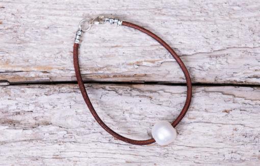 LESL Ware - Single Pearl Bracelet - Saddle