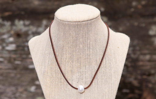LESL Ware - Single Pearl Necklace - Saddle