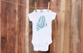 NikLinDesigns - Maine Onesie - Dots