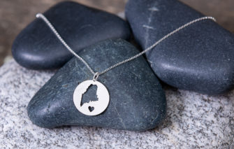 Gem Lounge - Maine Circle Necklace