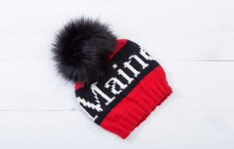 Bespolk - Maine Pom Hat - Red and Black