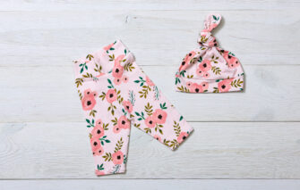 NAPTIME Knots - Legging Set - Blush Floral with Hat